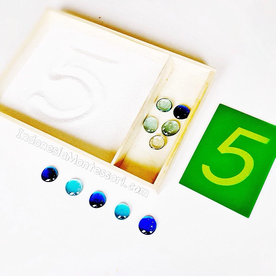 belajar berhitung pendekatan montessori prasekolah
